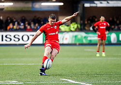 Owen Farrell of Saracens kicks a penalty<br /> <br /> Photographer Simon King/Replay Images<br /> <br /> European Rugby Champions Cup Round 4 - Cardiff Blues v Saracens - Saturday 15th December 2018 - Cardiff Arms Park - Cardiff<br /> <br /> World Copyright © Replay Images . All rights reserved. info@replayimages.co.uk - http://replayimages.co.uk