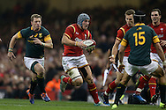 Jonathan Davies of Wales  © makes a break.  Under Armour 2016 series international rugby, Wales v South Africa at the Principality Stadium in Cardiff , South Wales on Saturday 26th November 2016. pic by Andrew Orchard, Andrew Orchard sports photography