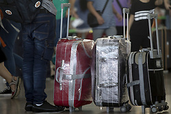 August 4, 2017 - Barcelona, Catalonia, Spain - Travelers make more than 1 hour of delay during the EULEN workers strike in the Barcelona's airport in El Prat de Llobregat on 2017 august 4. (Credit Image: © Miquel Llop/NurPhoto via ZUMA Press)