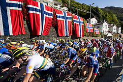 September 23, 2017 - Bergen, NORWAY - 170923 The peloton rides past Norwegians flags during the Women Elite Road Race on September 23, 2017 in Bergen..Photo: Vegard Wivestad GrÂ¿tt / BILDBYRN / kod VG / 170026 (Credit Image: © Vegard Wivestad Gr¯Tt/Bildbyran via ZUMA Wire)
