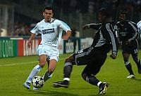 Fotball<br /> Semifinale UEFA-cup 2003/04<br /> Olympique Marseille v Newcastle<br /> 6. mai 2004<br /> Foto: Digitalsport<br /> NORWAY ONLY<br /> <br />  DEMETRISU FERREIRA (OM) / TITUS BRAMBLE (NEW)