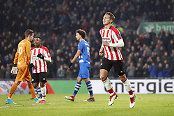 (L-R) goalkeeper Mike Hauptmeijer of PEC Zwolle, Steven Bergwijn of PSV, Phillipe Sandler of PEC Zwolle, Luuk de Jong of PSV during the Dutch Eredivisie match between PSV Eindhoven and PEC Zwolle at the Phillips stadium on February 03, 2018 in Eindhoven, The Netherlands
