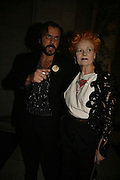 Andreas Kronthaler and Vivienne Westwood, The British Fashion Awards  2006 sponsored by Swarovski . Victoria and Albert Museum. 2 November 2006. ONE TIME USE ONLY - DO NOT ARCHIVE  © Copyright Photograph by Dafydd Jones 66 Stockwell Park Rd. London SW9 0DA Tel 020 7733 0108 www.dafjones.com