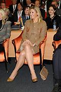 Hare Koninklijke Hoogheid Prinses Máxima der Nederlanden heeft op de Nyenrode Business Universiteit in Breukelen een toespraak over toegang tot financiële diensten (inclusive finance). <br /> <br /> Her Royal Highness Princess Máxima of the Netherlands at the Nyenrode Business University in Breukelen a speech on access to financial services (inclusive finance).<br /> <br /> Op de foto / On the photo:
