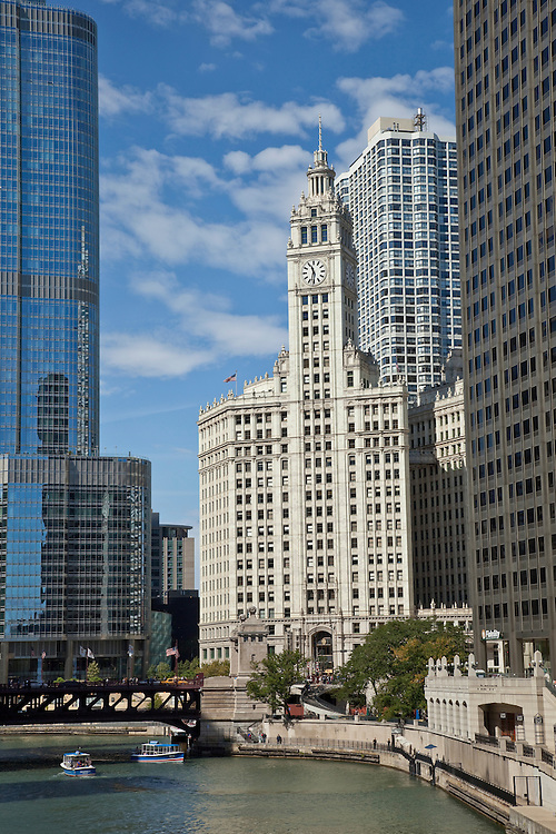 Chcago's famed Wrigley_Building flanked by Trump Tower and the Chicago River.