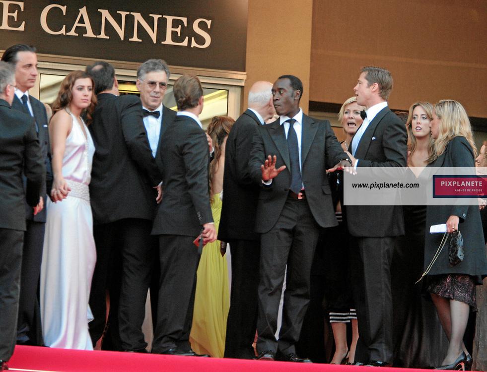 Brad Pitt - Andy Garcia - Don Cheadl - George Clooney - Brad Pitt - Matt Damon - Andy Garcia - Don Cheadle - Scott Caan - Shaobo Qin - Brad Pitt - Andy Garcia - Don Cheadl - - Festival de Cannes - Montée des marches pour le film Ocean 13 - 24/05/2007 - JSB / PixPlanete