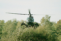 10.09.1995, Germany/Munster:<br /> BO-105 P, Panzerabwehrhubschrauber 1 der Bundeswehr, Verwendung im Heer, Lehrvorführung der Panzertruppenschule Munster<br /> Image: 19951009-01/06-19<br />  <br />  <br />  <br /> KEYWORDS: Hubschrauber, Waffe, helicopter, wappon,