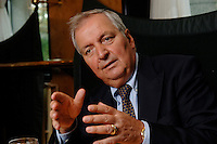 05 SEP 2006, BERLIN/GERMANY:<br /> Klaus Toepfer, Bundesminister a.D. und Untergeneralsekretaer der VN a.D., waehrend einem Interview, Hotel Esplanade<br /> IMAGE: 20060905-03-019<br /> KEYWORDS: Klaus Töpfer