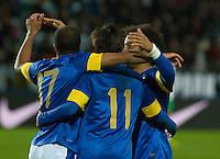 Malmö  2012-10-11  Fotboll  Landskamp  Brazil    - Iraq   :  Brazil 11 Neymar Brazil 17 Lucas.(Foto: Christer Thorell, Pic-Agency.com) Nyckelord : gool fotboll , football , soccer , Landskamp , Herrar , Men , Brazil , Iraq , .