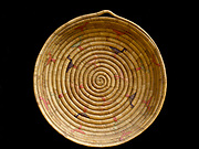Yupik Eskimo grass basket decorated with geese. Fred and Randi Hirschmann's Collection, Aalska.