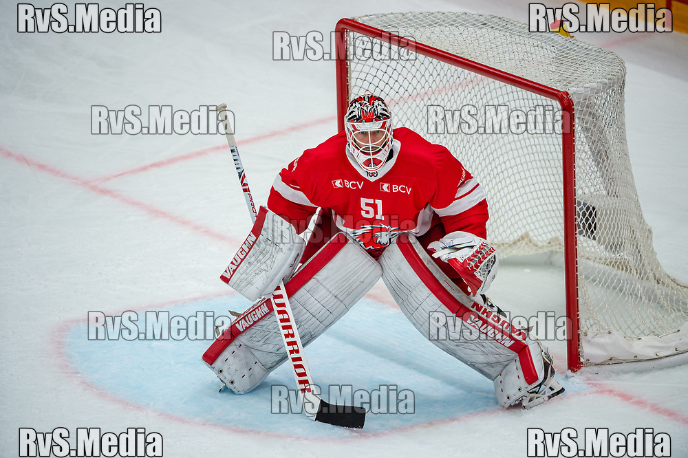 LAUSANNE, SWITZERLAND - OCTOBER 01: Goalie Tobias Stephan #51 of Lausanne HC looks on during the Swiss National League game between Lausanne HC and ZSC Lions at Vaudoise Arena on October 1, 2021 in Lausanne, Switzerland. (Photo by Robert Hradil/RvS.Media)