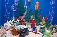 "USA, Vereinigte Staaten Von Amerika: Florida Aquarium, ""Bubblers"", verschiedene Luftblasen erzeugende Figuren in Galerie ""Aquariumania"", Tampa, Florida | USA, United States Of America: Florida Aquarium, ""Bubblers"", several bubbles making figures, gallery ""Aquariumania"", Tampa, Florida |"
