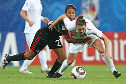 17.07.2010,  Augsburg, GER, FIFA U20 Womens Worldcup, England vs Mexico,  im Bild Rodriguez Mar  (Mexico Nr.21) und Jade Moore (England Nr.4) , EXPA Pictures © 2010, PhotoCredit: EXPA/ nph/ . Straubmeier+++++ ATTENTION - OUT OF GER +++++