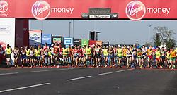 LONDON, April 22, 2018  Para-athletes compete during the London Marathon 2018 in London, Britain on April 22, 2018. (Credit Image: © Xu Hui/Xinhua via ZUMA Wire)