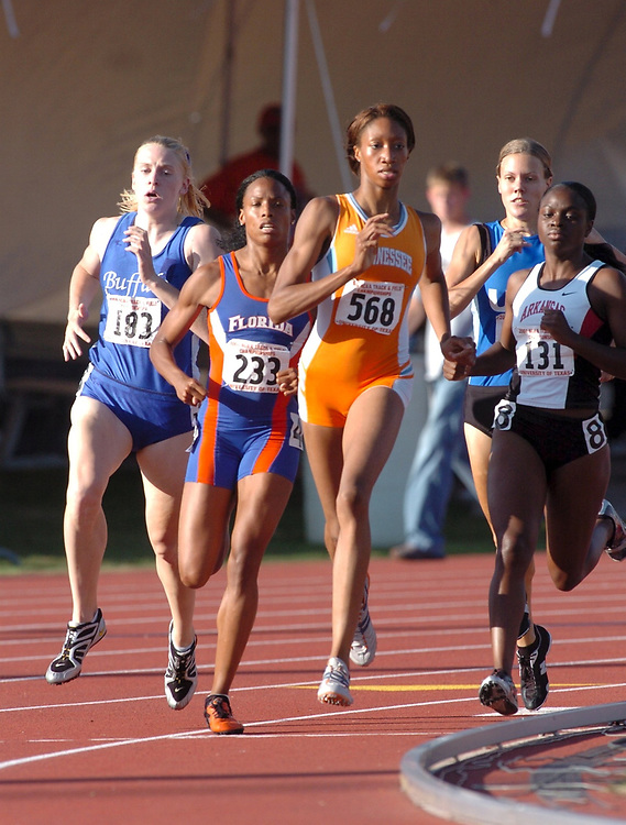 June, 2004 Austin, TX NCAA DIvision I Outdoor Track & Field Championships.  (editorial use only) women's 800-meters <br /> ©Bob Daemmrich ,