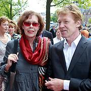 NLD/Amsterdam/20110731 - Premiere circus Hurricane met Hans Klok, Sylvia Kristel en ...............