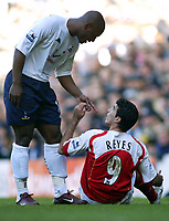 13/11/2004 - FA Barclays Premiership - Tottenham Hotspur v Arsenal - White Hart Lane<br /> Tottenham's Noe Paramot points at Arsenal's Jose Antonio Reyes and accuses him of diving to earn a freekick<br /> Photo:Jed Leicester/Back page images<br /> <br /> NORWAY ONLY