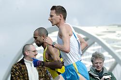 09-04-2006 ATLETIEK: FORTIS MARATHON: ROTTERDAM<br /> Nationale marathontitel weer voor Kamiel Maase<br /> ©2006-WWW.FOTOHOOGENDOORN.NL