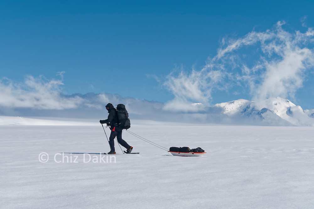 Clive Tully pulling a sledge around Circo de los Altares ice camp