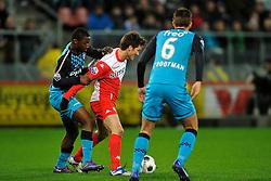 22-01-2012 VOETBAL: FC UTRECHT - PSV: UTRECHT<br /> Utrecht speelt gelijk tegen PSV 1-1 / Jetro Willems, Edouard Duplan<br /> ©2012-FotoHoogendoorn.nl
