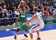 DESCRIZIONE : Cantu' Acqua Vitasnella Cantu' Sidigas Scandone Avellino<br /> GIOCATORE : Taurean Green<br /> CATEGORIA : palleggio<br /> SQUADRA : Sidigas Scandone Avellino<br /> EVENTO : Campionato Lega A 2015-2016<br /> GARA : Acqua Vitasnella Cantu' Sidigas Scandone Avellin<br /> DATA : 15/11/2015 <br /> SPORT : Pallacanestro <br /> AUTORE : Agenzia Ciamillo-Castoria/R.Morgano<br /> Galleria : Lega Basket A 2015-2016<br /> Fotonotizia : Cantu' Acqua Vitasnella Cantu' Sidigas Scandone Avellin<br /> Predefinita :