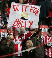 Photo: Lee Earle.<br /> Southampton v Derby County. Coca Cola Championship. Play Off Semi Final, 1st Leg. 12/05/2007.A Southampton fan flys a flag in memory of Alan Ball.