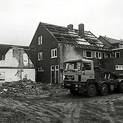 NLD/Huizen/19921116 - Sloop panden Lindelaan Huizen