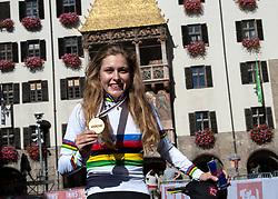27.09.2018, Innsbruck, AUT, UCI Straßenrad WM 2018, Straßenrennen, Juniorinnen, von Rattenberg nach Innsbruck (72,4 km), im Bild Laura Stigger (AUT, 1. Platz, Goldmedaille) // gold medalist and world champion Laura Stigger of Austria during the road race of the junior Women from Rattenberg to Innsbruck (72,4 km) of the UCI Road World Championships 2018. Innsbruck, Austria on 2018/09/27. EXPA Pictures © 2018, PhotoCredit: EXPA/ Reinhard Eisenbauer