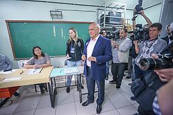 O candidato ao senado pelo Estado do Rio Grande do Sul  durante votação na seção 61 da primeira zonal da escola técnica estadual Sen. Ernesto Dornelles, em Porto Alegre. FOTO: Jefferson Bernardes/ Agência Preview