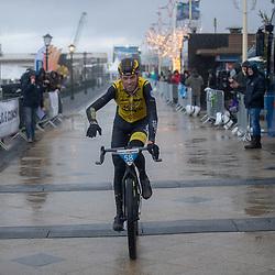 09-12-2018: Wielrennen: EK beachrace: Scheveningen<br /> Lars Boomn European Champion Beachrce