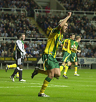 Photo. Glyn Thomas.<br /> Newcastle v West Bromwich Albion.<br /> Carling Cup Third Round.<br /> St James' Park, Newcastle. 29/10/03.<br /> Rob Hulse (R) celebrates heading West Brom into a 1-0 lead from a corner in the first half away to Newcastle.