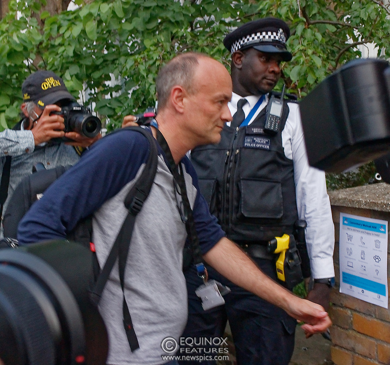 London, United Kingdom - 26 May 2020<br /> Boris Johnsons political advisor Dominic Cummings arriving home. The scene at Dominic Cummings home in North London today where two or three supporters turned up to support of him as he arrived home. Islington, London, England, UK.<br /> **VIDEO AVAILABLE**<br /> (photo by: JKM / EQUINOXFEATURES.COM)<br /> Picture Data:<br /> Photographer: JKM / Equinox Features<br /> Copyright: ©2020 Equinox Licensing Ltd. +443700 780000<br /> Contact: Equinox Features<br /> Date Taken: 20200526<br /> Time Taken: 20263841<br /> www.newspics.com