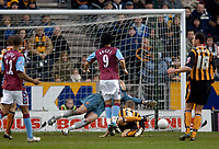 Photo: Jed Wee.<br />Hull v Aston Villa. The FA Cup. 07/01/2006.<br />Aston Villa's Juan Pablo Angel (9) has the ball in the back of the net but the effort is ruled out.