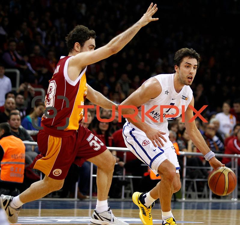 Anadolu Efes's Sasha Vujacic (R) during their BEKO Basketball League match Galatasaray between Anadolu Efes at the Abdi Ipekci Arena in Istanbul at Turkey on Sunday, February 17, 2013. Photo by Aykut AKICI/TURKPIX