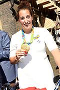 Medaillewinnaars van de Olympische Zomerspelen 2016 vertrekken per fiets van het Binnenhof voor een ontvangst op Paleis Noordeinde. <br /> <br /> op de foto:  Elis Ligtlee, goud bij wielrennen op het onderdeel keirin