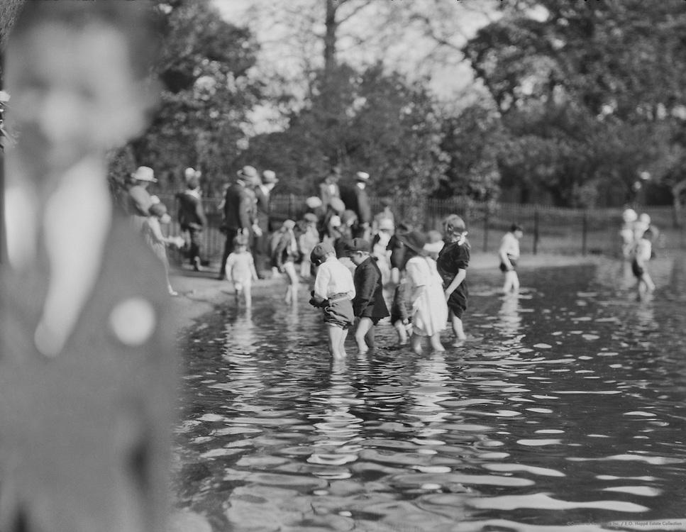 Children Bathing at the Serpentine, London, England, 1910
