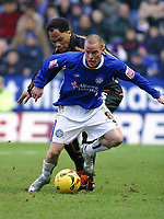 Photo: Dave Linney.<br />Leicester City v Wolverhampton Wanderers. Coca Cola Championship. 04/02/2006.Leicester's Ian Hume(R) plays his way out of trouble Joleon Lescott