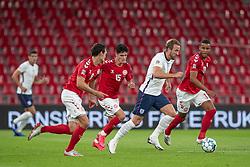 Harry Kane (England) følges af Andreas Christensen, Christian Nørgaard og Mathias Zanka Jørgensen (Danmark) under UEFA Nations League kampen mellem Danmark og England den 8. september 2020 i Parken, København (Foto: Claus Birch).