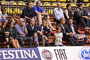 DESCRIZIONE : Supercoppa 2015 Semifinale Olimpia EA7 Emporio Armani Milano - Umana Reyer Venezia<br /> GIOCATORE : Federico Mangiacotti Fernando Marino<br /> CATEGORIA : Tifosi Pubblico Spettatori VIP<br /> SQUADRA : Beko<br /> EVENTO : Supercoppa 2015<br /> GARA : Olimpia EA7 Emporio Armani Milano - Umana Reyer Venezia<br /> DATA : 26/09/2015<br /> SPORT : Pallacanestro <br /> AUTORE : Agenzia Ciamillo-Castoria/L.Canu