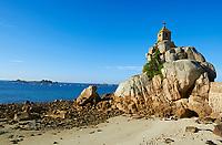 France, Bretagne, Côtes-d'Armor (22), Port-Blanc, chapelle Notre-Dame de Port-Blanc, oratoire // France, Brittany, Cotes d'Armor (22), Port Blanc, Notre Dame de Port Blanc church