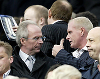 Fotball<br /> FA-cup 2005<br /> 5. runde<br /> Newcastle v Tottenham<br /> 13. mars 2005<br /> Foto: Digitalsport<br /> NORWAY ONLY<br /> Gazza chats to Sven Goran Ericsson before the game