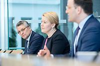 """09 APR 2020, BERLIN/GERMANY:<br /> Prof. Dr. Lothar H. Wieler (L), Praesident Robert Koch-Institut, Franziska Giffey (M), SPD, Bundesfamilienministerin, Jens Spahn (R), CDU, Bundesgesundheitsminister, Pressekonferenz """"Unterrichtung der Bundesregierung zur Bekämpfung des Coronavirus"""", Bundespressekonferenz<br /> IMAGE: 20200409-01-006<br /> KEYWORDS: BPK"""