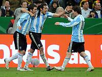 Fotball<br /> Tyskland v Argentina<br /> 03.03.2010<br /> Foto: Witters/Digitalsport<br /> NORWAY ONLY<br /> <br /> Jubel 0:1 v.l. Gonzalo Higuain, Jonas Gutierrez, Lionel Messi (Argentinien)<br /> Testspiel Deutschland - Argentinien