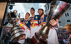 15.04.2016, Kapitelplatz, Salzburg, AUT, EBEL, Meisterfeier EC Red Bull Salzburg, während der Meisterfeier des Eishockey-Clubs EC Red Bull Salzburg am Freitag 15. April 2016, in Salzburg, im Bild Ryan Duncan (EC Red Bull Salzburg), John Hughes (EC Red Bull Salzburg), Brett Sterling (EC Red Bull Salzburg) // X during the Erste Bank Icehockey Liga Championships Party of EC Red Bull Salzburg at the Kapitelplatz in Salzburg, Austria on 2016/04/15. EXPA Pictures © 2016, PhotoCredit: EXPA/ JFK