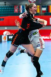 Laura Van Der Heijden of Netherlands in action during the Women's EHF Euro 2020 match between Netherlands and Hungry at Sydbank Arena on december 08, 2020 in Kolding, Denmark (Photo by RHF Agency/Ronald Hoogendoorn)
