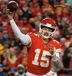 Dec 30, 2018; Kansas City, MO, USA; Kansas City Chiefs quarterback Patrick Mahomes (15) throws a pass during the second half against the Oakland Raiders at Arrowhead Stadium. The Chiefs won 35-3. Mandatory Credit: Denny Medley-USA TODAY Sports