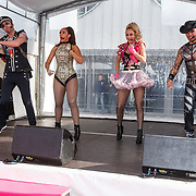 NLD/Amsterdam/20150530 - Amsterdamdiner 2015, Vengaboys, Kim Sasabone, Denise van Rijswijk, Robin Pors, Donny Latupeirissa