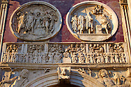 Roman sculptural decorations  on  The Arch Of Constantine built to celebrate victory over Maxentius . Rome. Rome .<br /> <br /> Visit our ITALY HISTORIC PLACES PHOTO COLLECTION for more   photos of Italy to download or buy as prints https://funkystock.photoshelter.com/gallery-collection/2b-Pictures-Images-of-Italy-Photos-of-Italian-Historic-Landmark-Sites/C0000qxA2zGFjd_k<br /> .<br /> <br /> Visit our ROMAN ART & HISTORIC SITES PHOTO COLLECTIONS for more photos to download or buy as wall art prints https://funkystock.photoshelter.com/gallery-collection/The-Romans-Art-Artefacts-Antiquities-Historic-Sites-Pictures-Images/C0000r2uLJJo9_s0