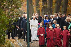 October 31, 2016 - Lund, Sweden - Pope Francis, Queen Silvia, King Carl XVI Gustaf,..Commemorations for the 500th anniversary of the Reformation, Lund, Sweden (Credit Image: © Aftonbladet/IBL via ZUMA Wire)