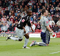 Photo: Kevin Poolman.<br /> Brentford v Swansea City. Coca Cola League 1, Play off Semi Final. 14/05/2006. Leon Knight watches his 2nd goal go in.